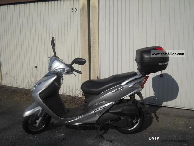 2009 SYM  VS 125 Motorcycle Scooter photo