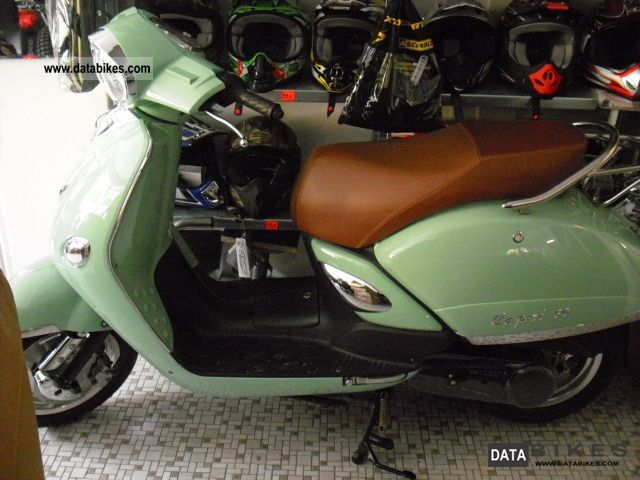 2011 Tauris  Capri 50 Motorcycle Scooter photo
