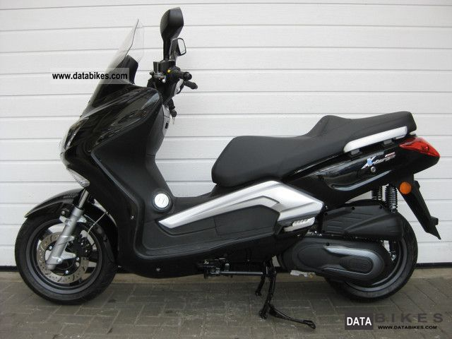 2011 TGB  X-Large 300 EFi 20 km new condition Motorcycle Scooter photo