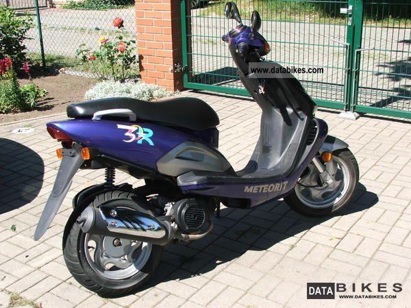 2001 TGB  Meteorite 125 Motorcycle Scooter photo