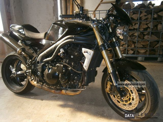 2005 Triumph  Speed ​​Triple 1050 Motorcycle Naked Bike photo