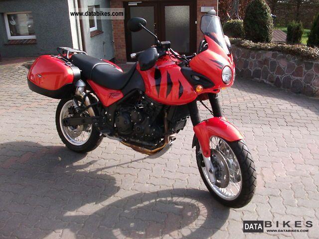 2003 Triumph  Tiger 955i Motorcycle Enduro/Touring Enduro photo