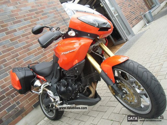 2011 Triumph  Tiger 1050 Motorcycle Sport Touring Motorcycles photo