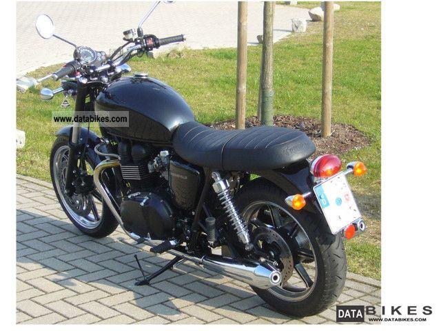 2012 Triumph  Bonneville Motorcycle Naked Bike photo