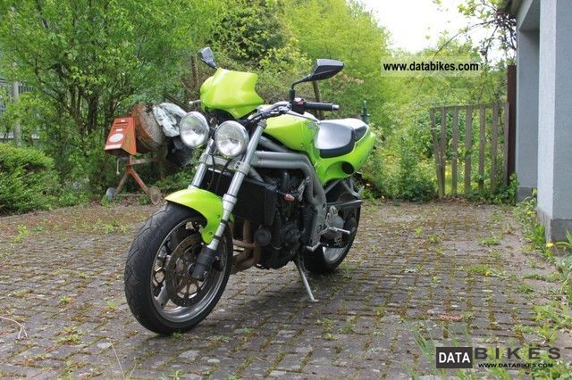 2000 Triumph  Speed ​​Trible Motorcycle Naked Bike photo