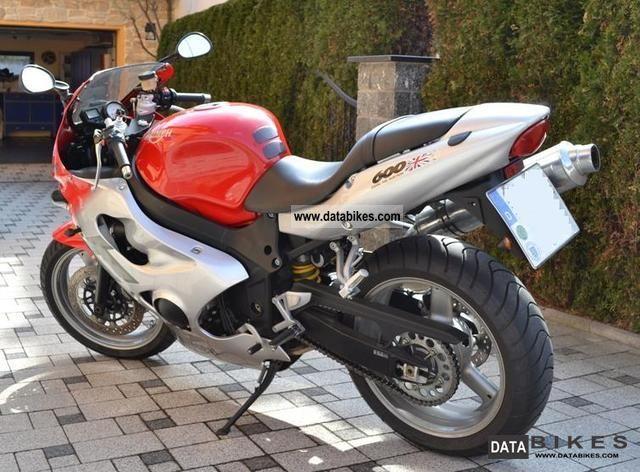 2003 Triumph  TT600 Motorcycle Sports/Super Sports Bike photo