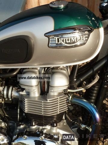 2001 Triumph  Bonneville Motorcycle Naked Bike photo