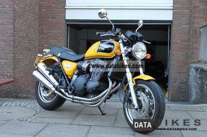 1998 Triumph  Thunderbird Sports Motorcycle Naked Bike photo