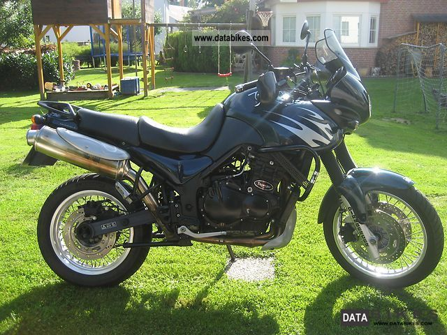 2000 Triumph  Tiger T709 Motorcycle Enduro/Touring Enduro photo