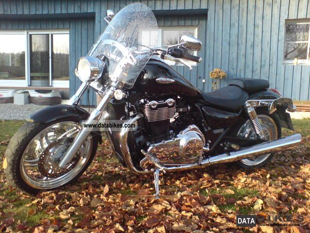2011 Triumph  Thunderbird 1700 ABS Motorcycle Chopper/Cruiser photo