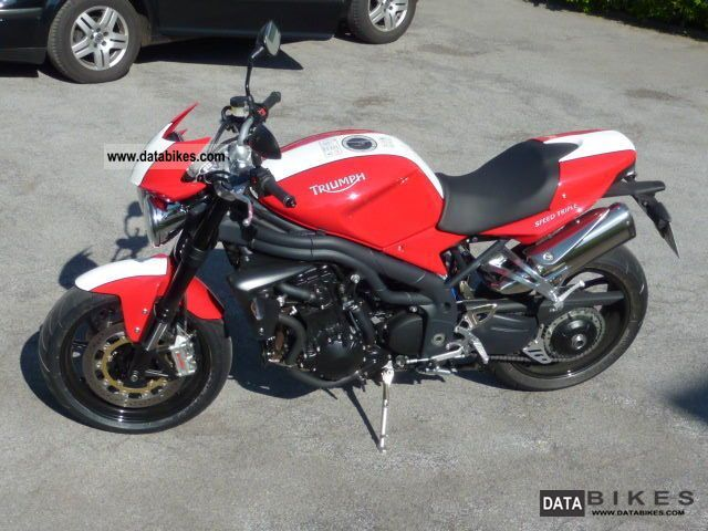 2010 Triumph  Speed Triple SE Motorcycle Naked Bike photo