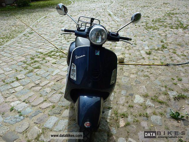 2006 Vespa  GT 125 Motorcycle Scooter photo