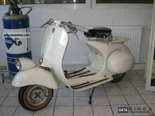 Vespa  Year 53 VM1T oldtimer 1953 1953 Vintage, Classic and Old Bikes photo