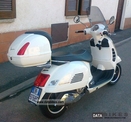 2009 Vespa  vespa 300 gts Motorcycle Scooter photo