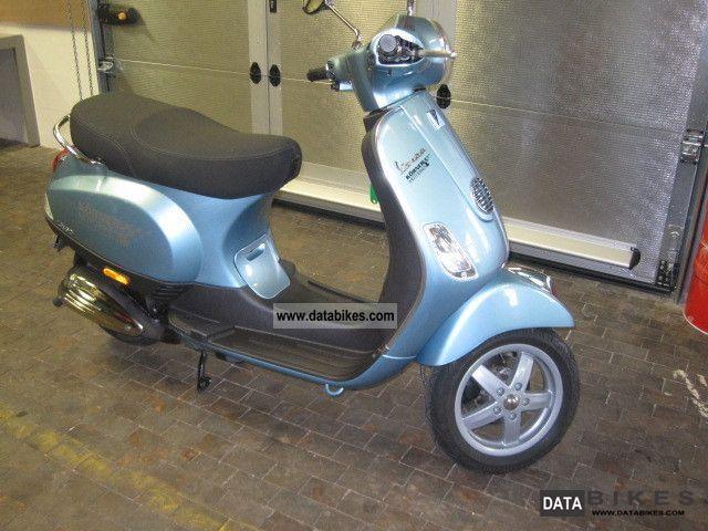 2010 Vespa  LX 50 2-stroke Motorcycle Scooter photo