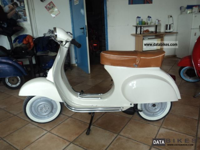Vespa  50n v50 50 l r s 1972 Vintage, Classic and Old Bikes photo