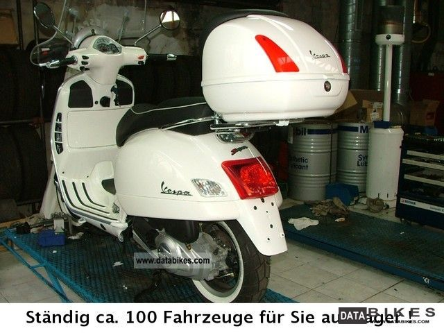 2011 Vespa GTS 125 white, with white wall tires + accessories