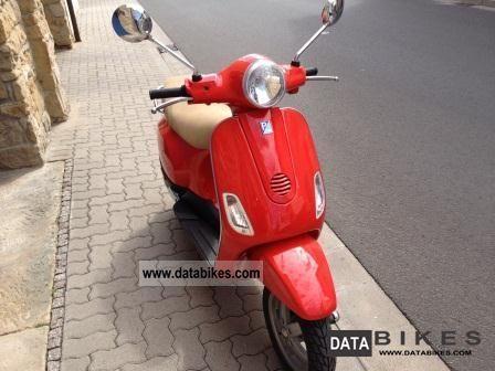 2005 Vespa  LX 50 Motorcycle Scooter photo