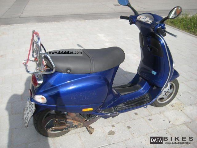 2002 Vespa  ET 4 Motorcycle Scooter photo