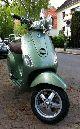 2008 Vespa  LXV 50 Motorcycle Scooter photo 1