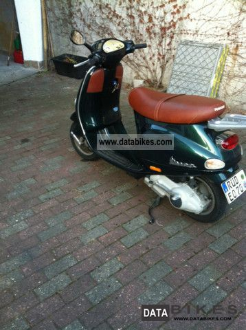 2001 Vespa  ET 4 Motorcycle Scooter photo