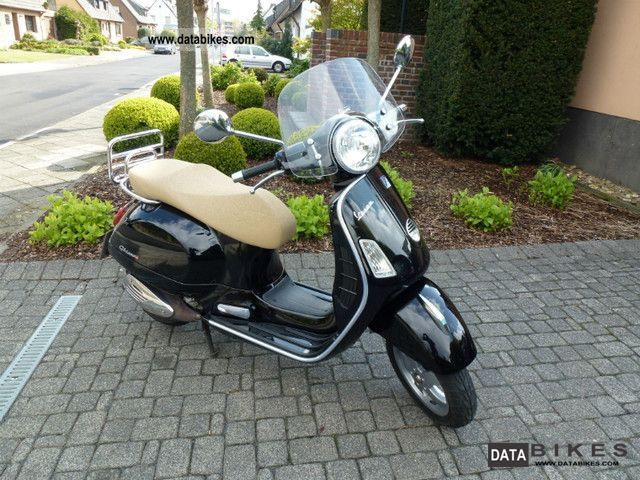 2007 Vespa  GTS 250ie ABS Motorcycle Scooter photo