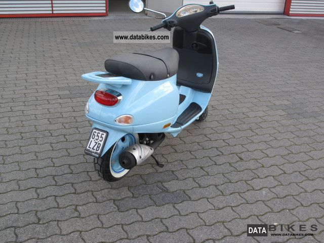2001 Vespa  ET 2 50 Motorcycle Motor-assisted Bicycle/Small Moped photo