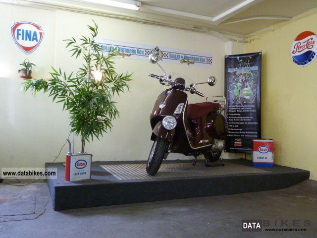 Vespa  GTV 300 i.e. Vie della Moda 2011 Scooter photo