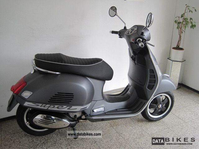 2011 vespa gts super sport 125. Black Bedroom Furniture Sets. Home Design Ideas