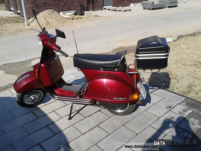 1992 Vespa  P 125 X Motorcycle Scooter photo