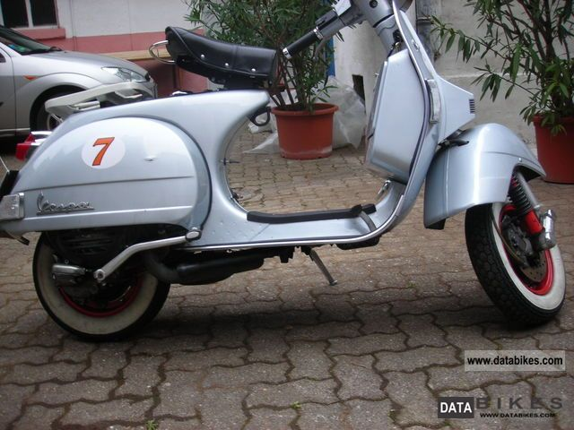 2005 Vespa  PX 125 built 2005 Motorcycle Scooter photo