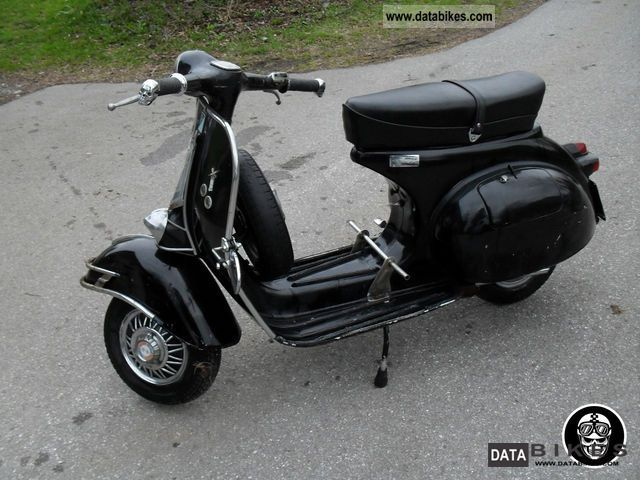 1960 Vespa  125 Motorcycle Scooter photo