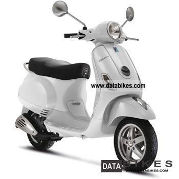 2012 Vespa Colors http://databikes.com/infophoto/vespa/lx_125_i_e__choice_of_color_2012_new_u0026_0_miles-2012.html