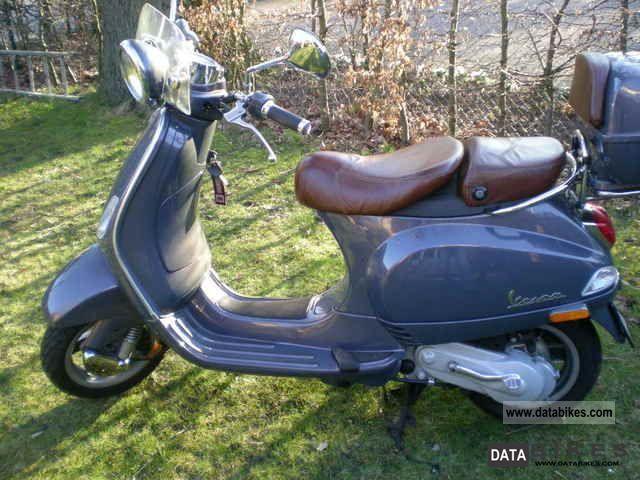 2009 Vespa  LXV 50 Motorcycle Scooter photo