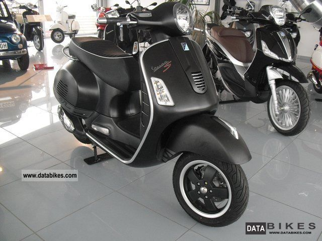 2011 vespa gts super 125 i e sports new. Black Bedroom Furniture Sets. Home Design Ideas