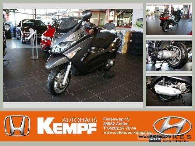2007 Vespa  XEvo 250 Motorcycle Scooter photo