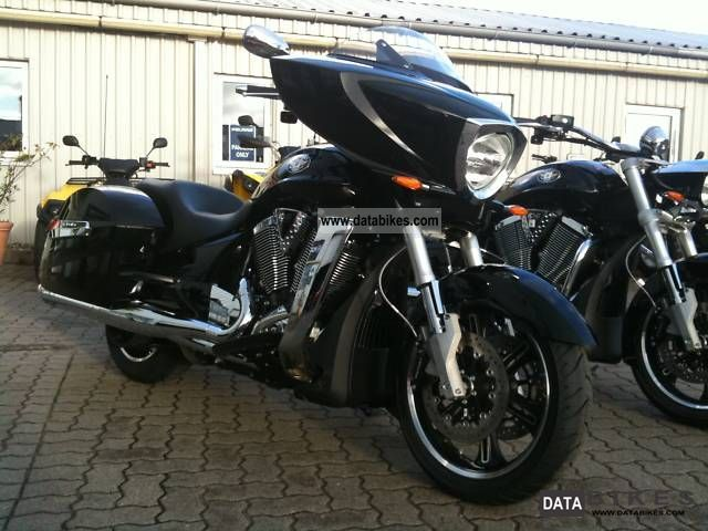 2011 VICTORY  Cross Country now Motorcycle Chopper/Cruiser photo