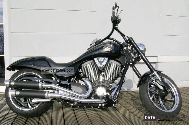 2010 VICTORY  Hammer 8 Ball Motorcycle Chopper/Cruiser photo