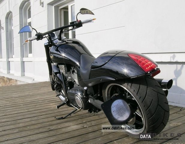Victory Hammer 8 Ball Exhaust 2010 Victory Hammer 8 Ball