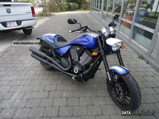 2011 VICTORY  Hammer S 2012! Special paint! Motorcycle Chopper/Cruiser photo