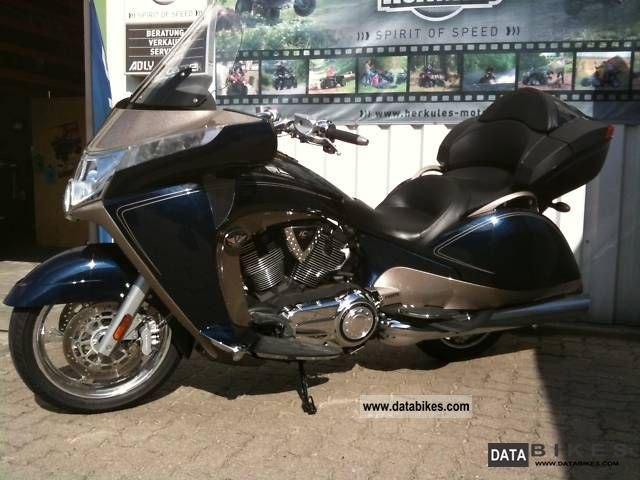 2010 VICTORY  ABS + Vision tour immediately Stage 1 exhaust system Motorcycle Motorcycle photo
