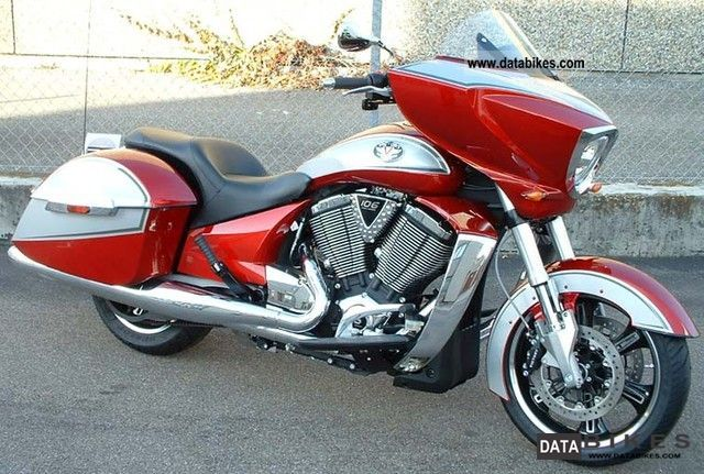 2011 VICTORY  Cross-Country Motorcycle Tourer photo