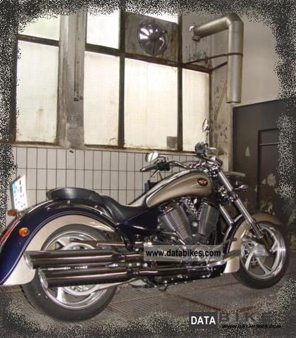 2010 VICTORY  Kingpin 2010 Motorcycle Chopper/Cruiser photo