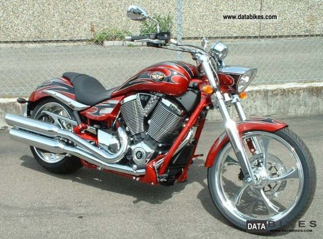 2011 VICTORY  Jackpot Motorcycle Chopper/Cruiser photo