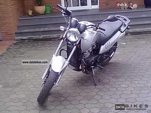 2008 WMI  Cross Street Motorcycle Streetfighter photo