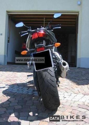 2010 Yamaha FZ1 RN16 built 2010 4100 km