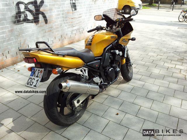 1998 Yamaha  FZS 600 Fazer Motorcycle Sports/Super Sports Bike photo