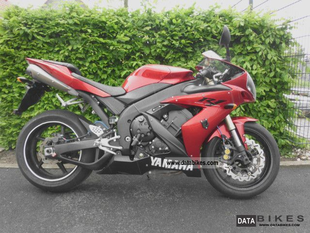 2004 Yamaha  YZF R1 RN12 Motorcycle Sports/Super Sports Bike photo