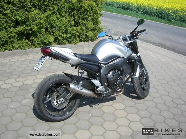 2009 Yamaha  FZ1-N Motorcycle Naked Bike photo