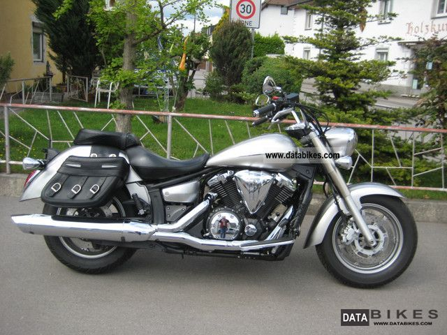 2007 Yamaha  XVS 1300 A Midnight Star Motorcycle Chopper/Cruiser photo